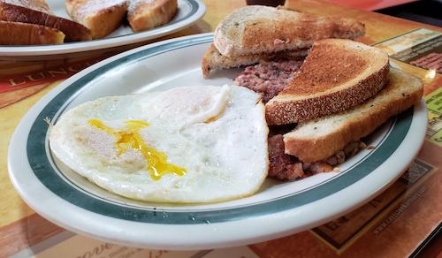 corned beef hash eggs toast